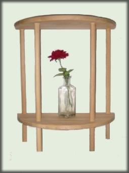 ein halbrunder tisch findet in einer kleinen wohnung immer. Black Bedroom Furniture Sets. Home Design Ideas